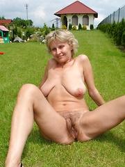 Sexy mature moms tubeporn